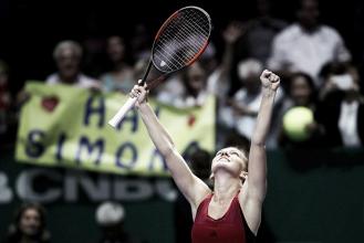Simona Halep, de menos a más en su estreno en el WTA Finals
