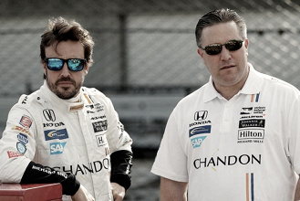 "Zak Brown: ""La triple corona ideal para Fernando Alonso sería en un McLaren"""