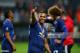 Antonio Valencia extends Man United contract after fantastic season