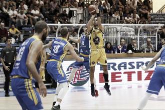 LegaBasket Serie A - Torino rimonta e vince, Capo beffata nell'ultimo minuto di gara