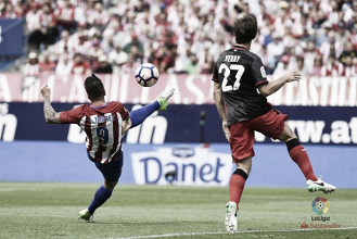 Torres tumba al Athletic
