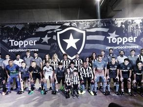 Botafogo e Topper apresentam novos uniformes para temporada 2017