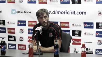 """Luis Zubeldía: """"Los árbitros no se pueden complicar en nuestros escenarios"""""""