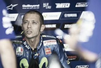 """Valentino Rossi: """"Me siento mejor al entrar en curva con el chasis nuevo"""""""