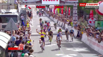 Boucles de la Mayenne : Mathieu Van Der Poel écrase la course