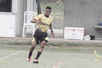 Volante Jean Mangabeira será uma das novidades no último jogo do Criciúma em 2017
