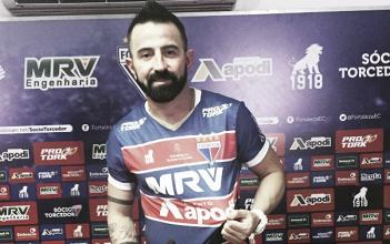 Leandro Cearense garante foco na disputa da Série C ao ser apresentado pelo Fortaleza