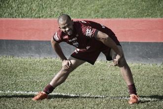 Fortaleza oficializa contratação do zagueiro Roger Carvalho, ex-Atlético-GO