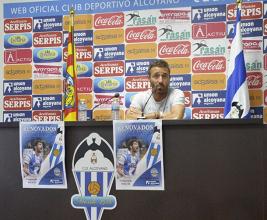 """Óscar Cano: """"El equipo todavía no ha encontrado su máximo rendimiento por las lesiones"""""""
