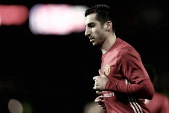 Após primeira temporada irregular, Mkhitaryan diz querer provar valor a Mourinho