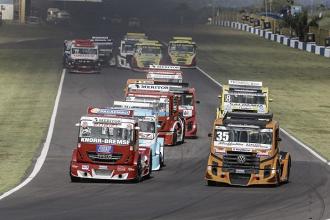 Roberval Andrade e Beto Monteiro vencem na estreia da Copa Truck em Goiânia