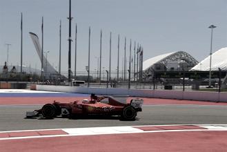 Ferrari domina treinos livres em Sochi