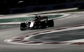 Sebastian Vettel aprovecha el error de Hamilton y consigue la pole