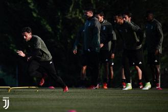 Juventus-Barcellona, i convocati: out Bernardeschi