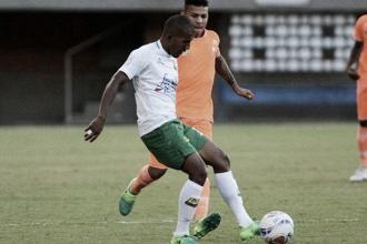 Atlético Bucaramanga sigue sin convencer: empató 0-0 ante Envigado