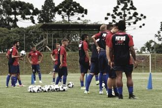 Na reapresentação do elenco tricolor, Paraná anuncia cinco reforços para 2018