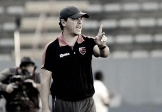 Sem acerto com Seedorf, Atlético-PR anuncia Fernando Diniz como novo treinador