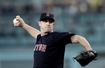 Steven Wright, Sandy Leon lead Boston Red Sox to 9-0 rout over the Los Angeles Dodgers