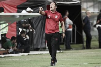 Zé Ricardo exalta desempenho do Flamengo em goleada diante da Chapecoense