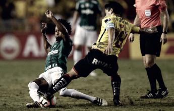 Palmeiras sofre gol no fim e perde para Barcelona em Guayaquil