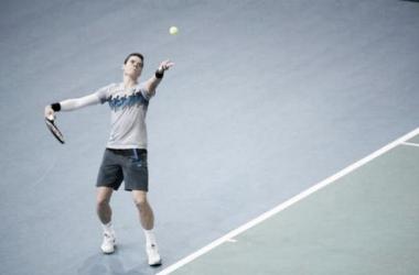 Masters 1000 Paris : Raonic sort Federer, Djokovic et Berdych continuent