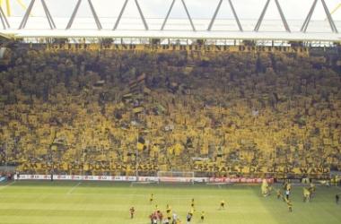 La Gelbe Wand - Südtribüne Dortmund, tribuna más grande del fútbol europeo.