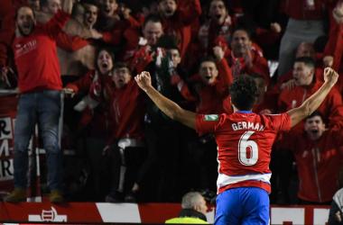 Germán celebra el gol junto a la grada de animación. Foto: Jesús Jiménez /Photographers Sport