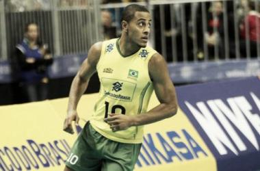 Jogador também destacou a melhora da equipe (Foto: Divulgação/FIVB)