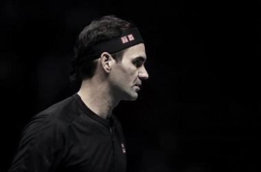 Federer se recupera de derrota na estreia, vence Berrettini e segue vivo no ATP Finals