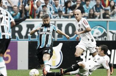 A equipe de Douglas teve 26 finalizações na partida, mas em apenas uma conseguiu converter em gol. ( Foto: Lucas Uebel)