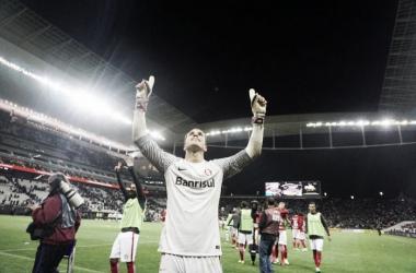 Marcelo Lomba revela motivos de sua permanência no Inter e explica pênaltis defendidos