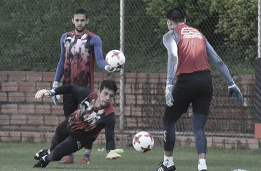 RAPIDO DE REFLEJOS. La principal característica de Espíndola y lo describen como el futuro arquero de la Selección de Paraguay. Foto: Web