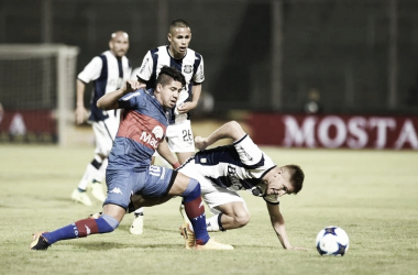 Cachete Morales contra Talleres (Foto: Mundo D).