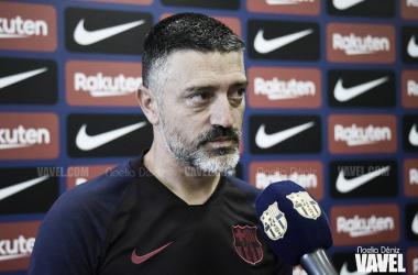García Pimienta atendiendo a los medios del Club. Foto: Noelia Déniz, VAVEL