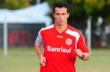 Leandro Damião fecha com o Santos para a temporada 2014