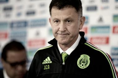 Osorio, que clasificó a la selección mexicana al Mundial de Rusia 2018, evitó hacer comentarios sobre el equipo que dirige. (Fotografía: EFE)