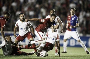 Matheus Costa lamenta ausência de Robson na próxima partida do Paraná pela Série B