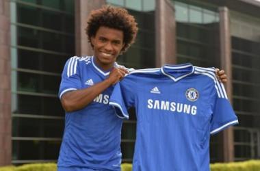 Willian é oficialmente apresentado pelo Chelsea