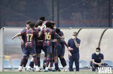 El FCB Juvenil A celebrando un gol esta temporada en la CE Joan Gamper. Foto: Noelia Déniz, VAVEL