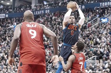 Westbrook durante el partido contra los Raptors   foto: EFE