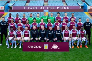Aston Villa's first-team squad and coaching staff  lined up for the club's official 2020/21 squad photo. (Credit avfc.co.uk)