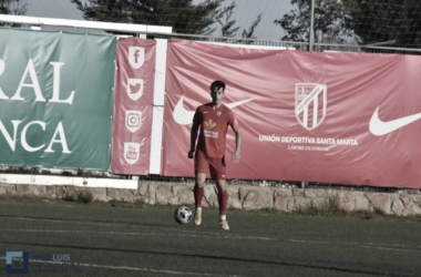 Pablo, jugador de UD Santa Marta. Foto: José Luis Cotobal