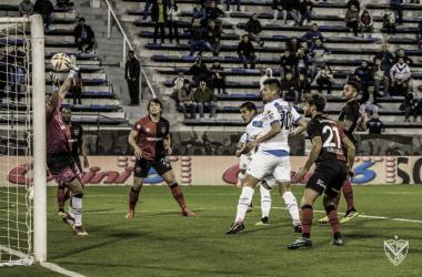 Gol de Luis Abram, al minuto de juego, para poner en ventaja a Vélez. (Vélez).