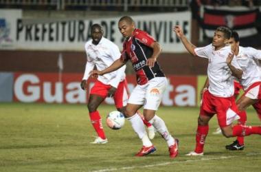 Na estreia de Drubscki, Boa Esporte bate de virada o Joinville por 3 a 2