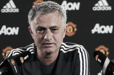 """José Mourinho: """"No me sorprende que el West Ham se haya mantenido"""""""