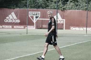 Hernán Crespo fazendo os últimos ajustes no treino antes da partida contra o Rentistas na quinta-feira.&nbsp;<div>(Foto: Fellipe Lucena/São Paulo)&nbsp;</div>