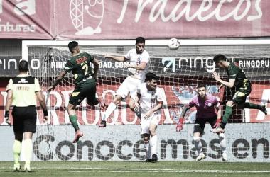 Argentinos Juniors 0-2 Defensa y Justicia (foto: La Nación)