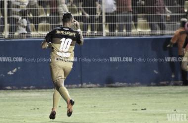Fabián Bordagaray celebrando tras su anotación. Fotografía: Nallely Calderón VAVEL México.