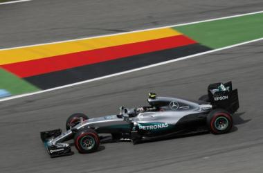 Rosberg transitando el trazado | Foto: Mercedes AMG F1
