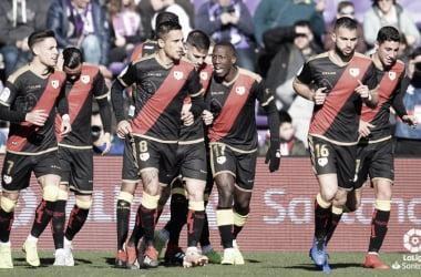 Los jugadores tras la celebración del gol ante el Valladolid   Fotografía: LaLiga Santander